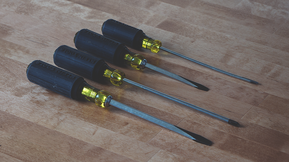 Best Screwdriver Set Featured Image