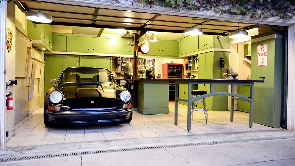 Best Garage Lighting Solutions Featured Image