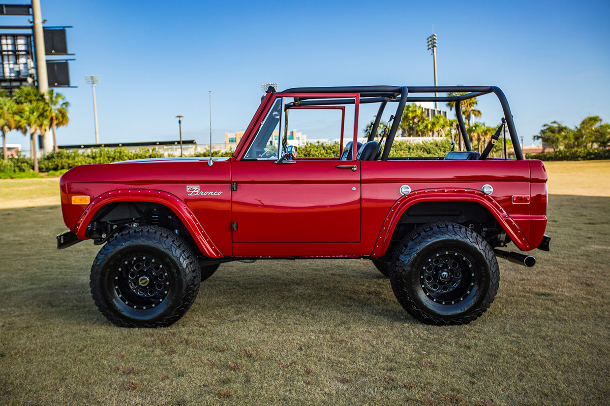 Supercharged 1975 Ford Bronco Drivers Side