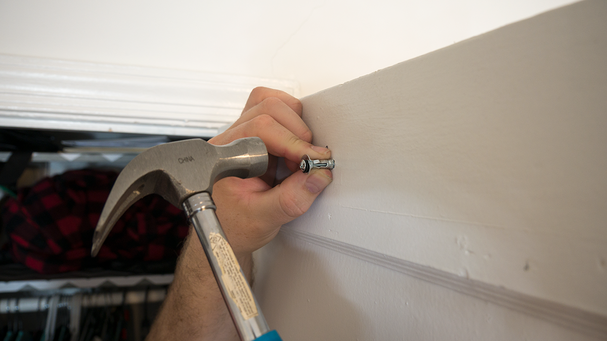 How To Install Hollow Wall Anchors Insert Anchor